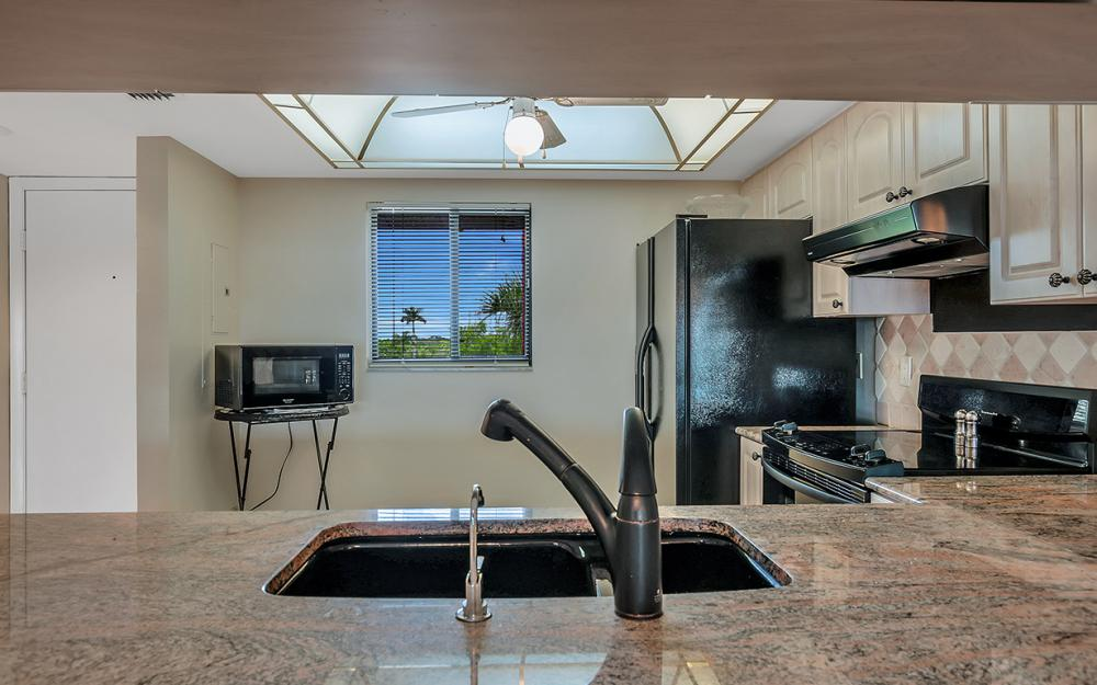 16200 Bay Pointe Blvd #305, North Fort Myers - Condo For Sale 932248791