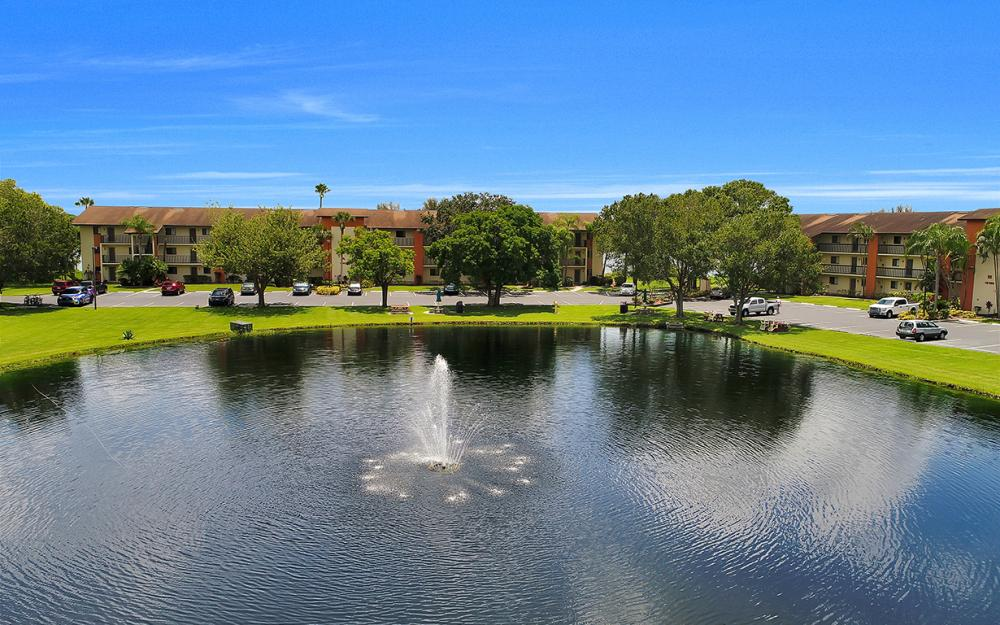 16200 Bay Pointe Blvd #305, North Fort Myers - Condo For Sale 1878830762