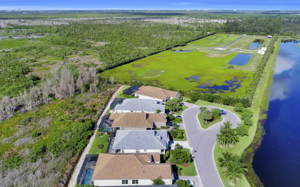 8518 Big Mangrove Dr, Fort Myers - Home For Sale 60478348