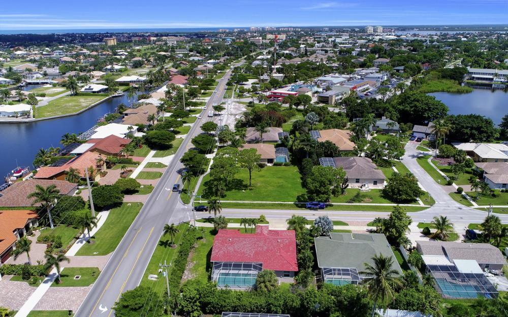 351 Yellowbird St, Marco Island - Home For Sale 1205994602