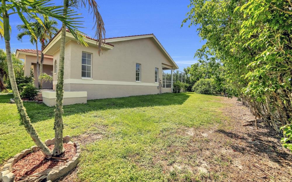 351 Yellowbird St, Marco Island - Home For Sale 163368377