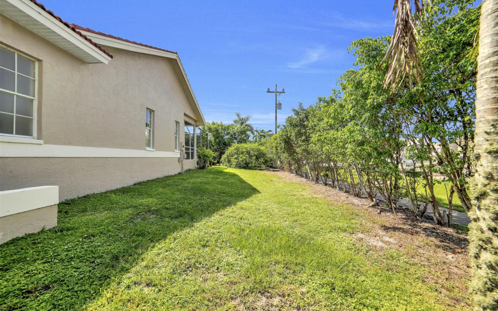 351 Yellowbird St, Marco Island - Home For Sale 1985460735