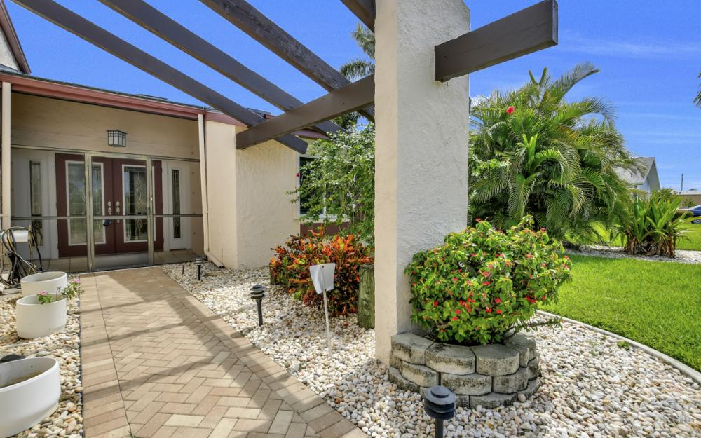 1626 SE 11th Terrace, Cape Coral - Home For Sale 733665399