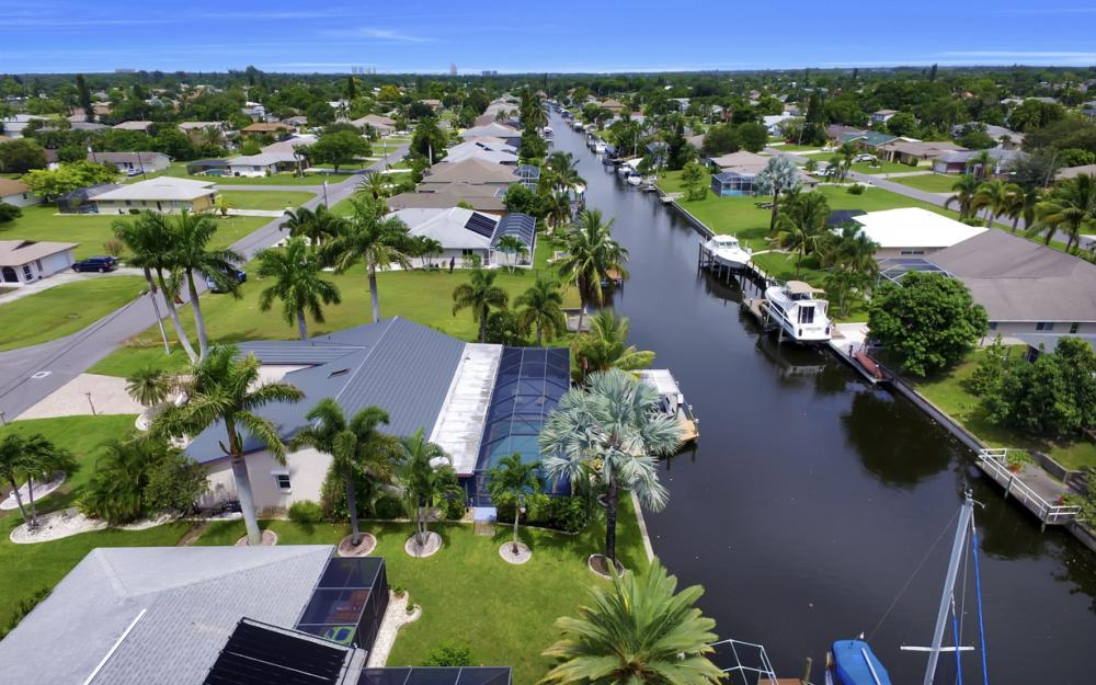 1626 SE 11th Terrace, Cape Coral - Home For Sale 339644084
