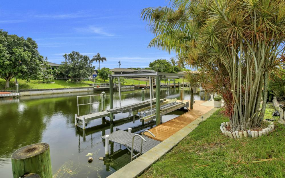 1626 SE 11th Terrace, Cape Coral - Home For Sale 223768186