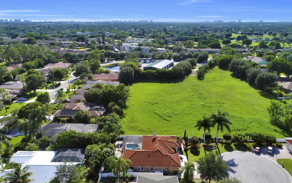 22 Madison Drive, Naples - Home For Sale 863803405
