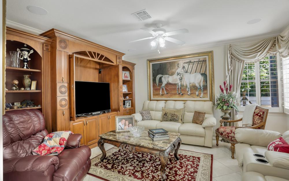 22 Madison Drive, Naples - Home For Sale 4147045
