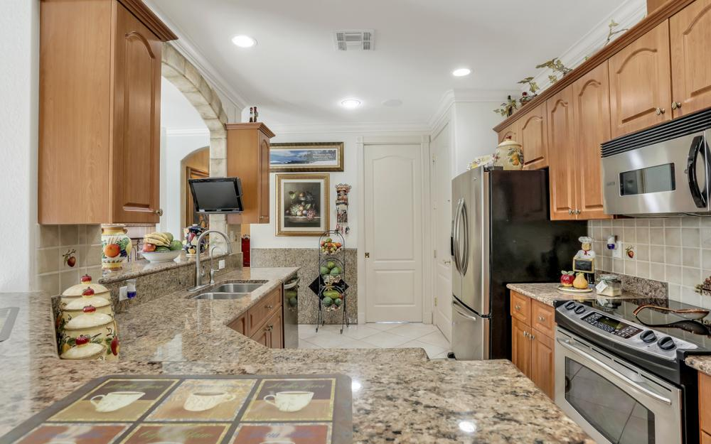 22 Madison Drive, Naples - Home For Sale 1182436665