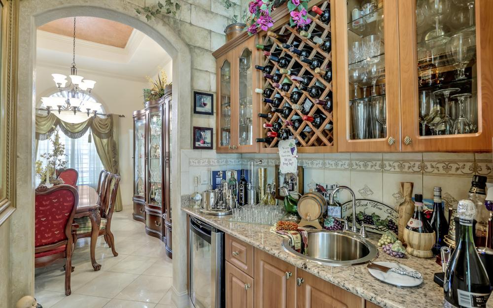 22 Madison Drive, Naples - Home For Sale 333557456