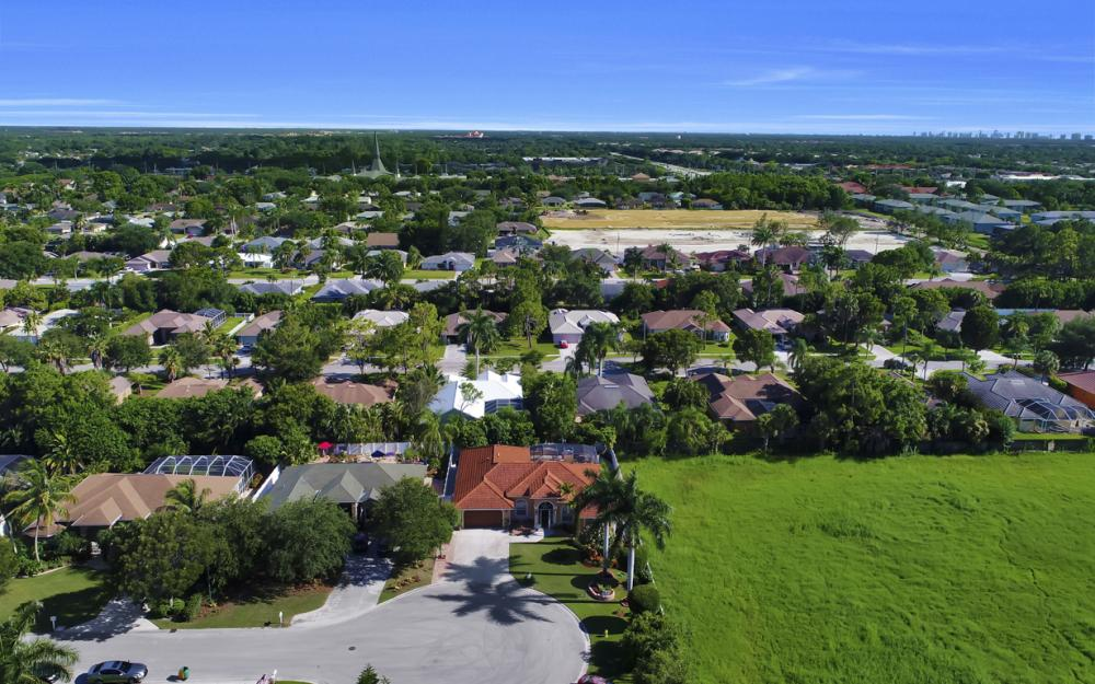 22 Madison Drive, Naples - Home For Sale 2023033212
