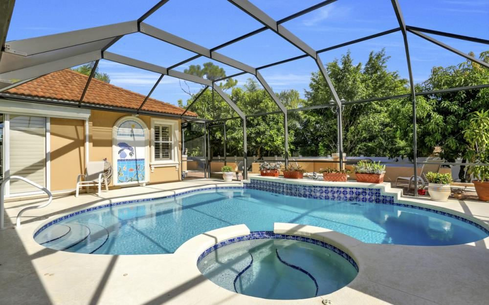 22 Madison Drive, Naples - Home For Sale 564191243