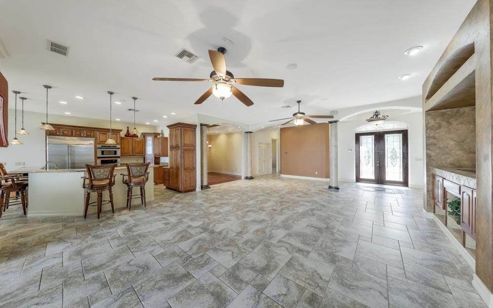 3978 W Riverside Dr, Fort Myers - Water Front Luxury Home 165812244