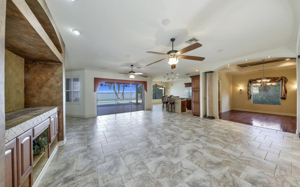 3978 W Riverside Dr, Fort Myers - Water Front Luxury Home 1878592406