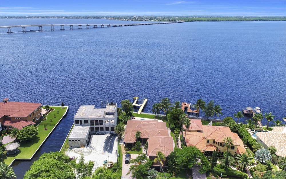 3978 W Riverside Dr, Fort Myers - Water Front Luxury Home 1913467231