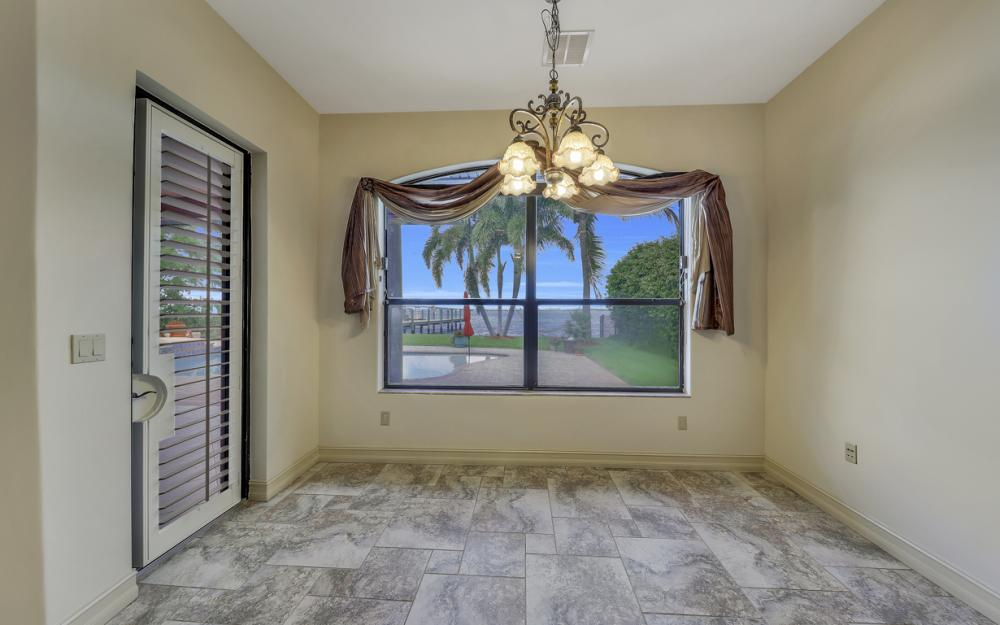 3978 W Riverside Dr, Fort Myers - Water Front Luxury Home 1031389367