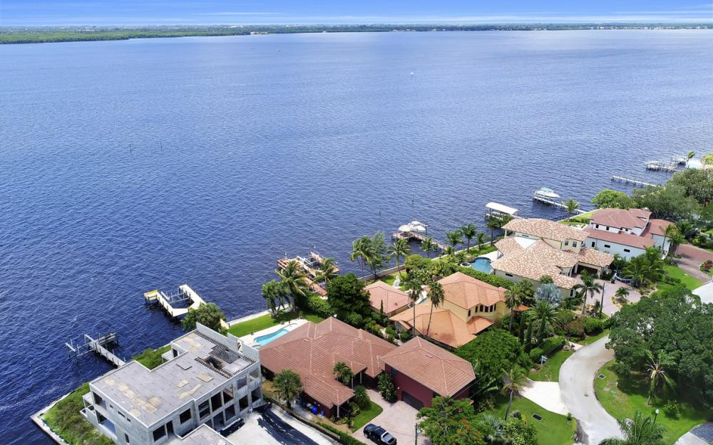 3978 W Riverside Dr, Fort Myers - Water Front Luxury Home 1025671749