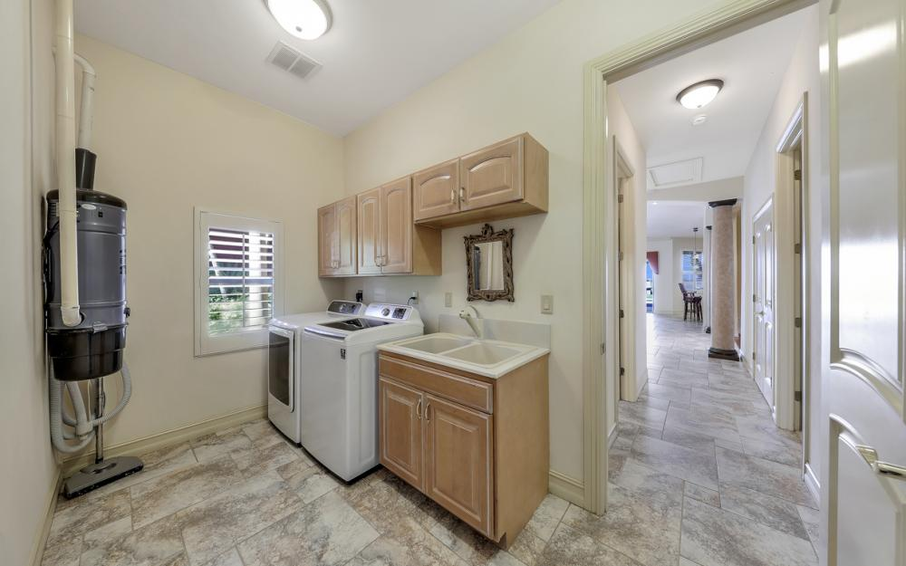 3978 W Riverside Dr, Fort Myers - Water Front Luxury Home 177346765