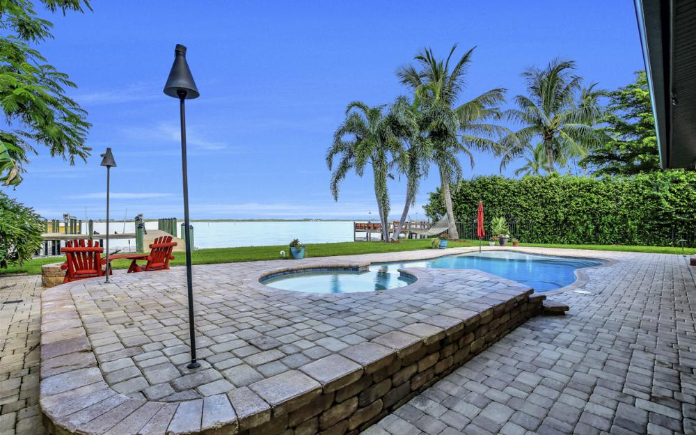 3978 W Riverside Dr, Fort Myers - Water Front Luxury Home 1410503215