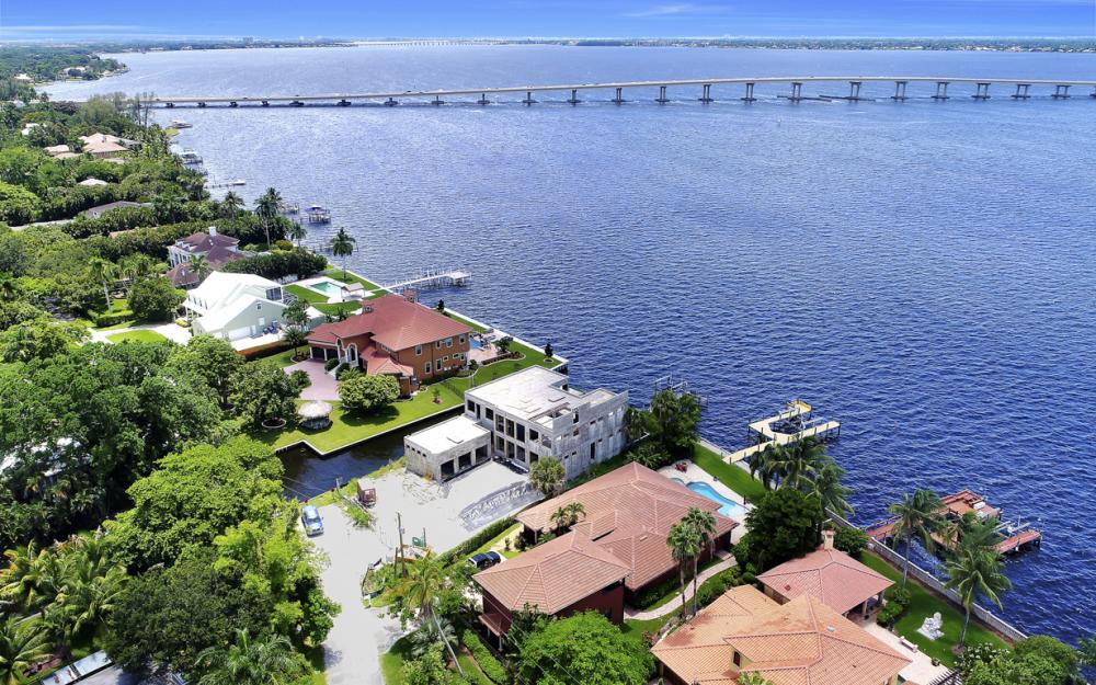 3978 W Riverside Dr, Fort Myers - Water Front Luxury Home 717273813