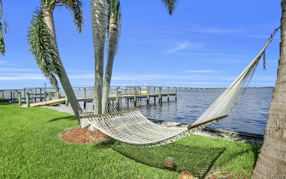 3978 W Riverside Dr, Fort Myers - Water Front Luxury Home 1080670800