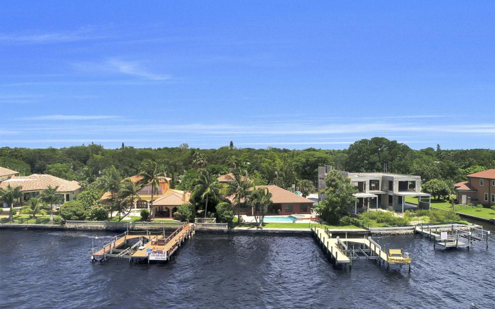 3978 W Riverside Dr, Fort Myers - Water Front Luxury Home 211947184