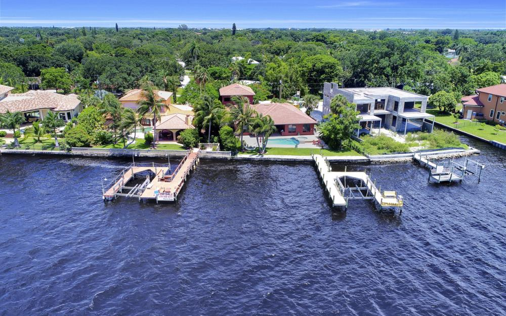 3978 W Riverside Dr, Fort Myers - Water Front Luxury Home 1003038668