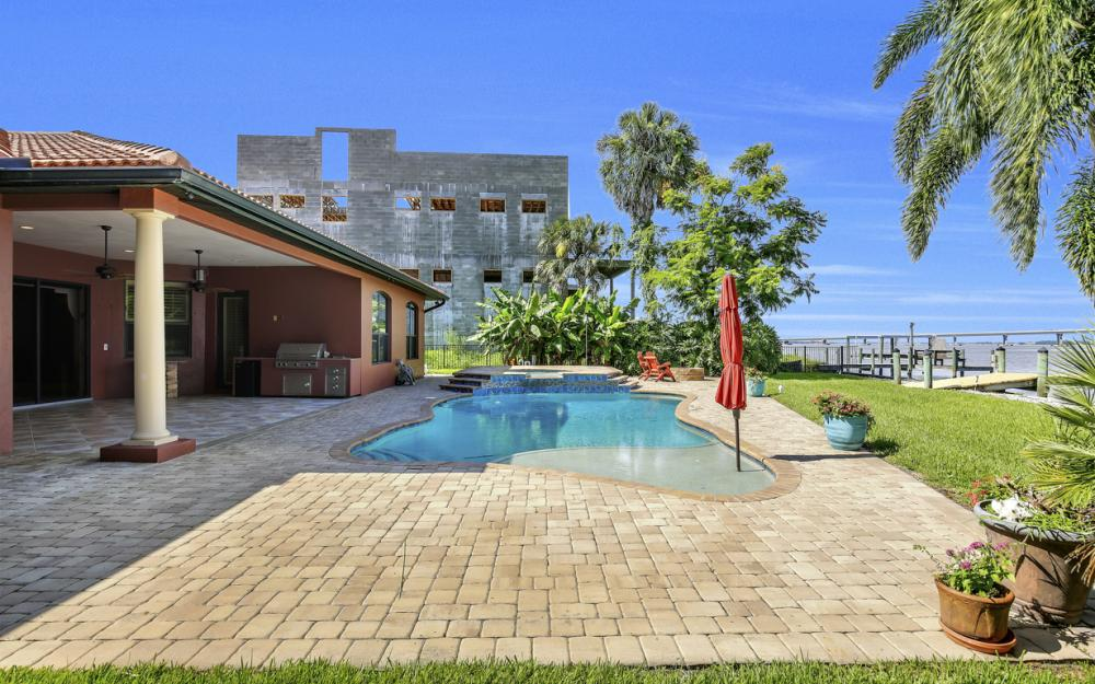 3978 W Riverside Dr, Fort Myers - Water Front Luxury Home 2132734601