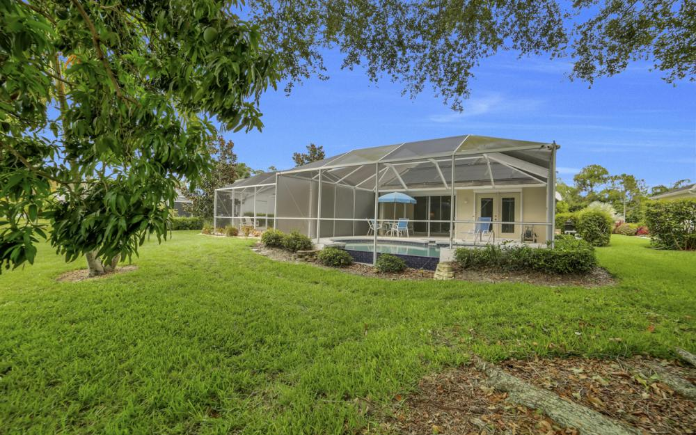5213 Whitten Dr, Naples - Home For Sale 2113436506