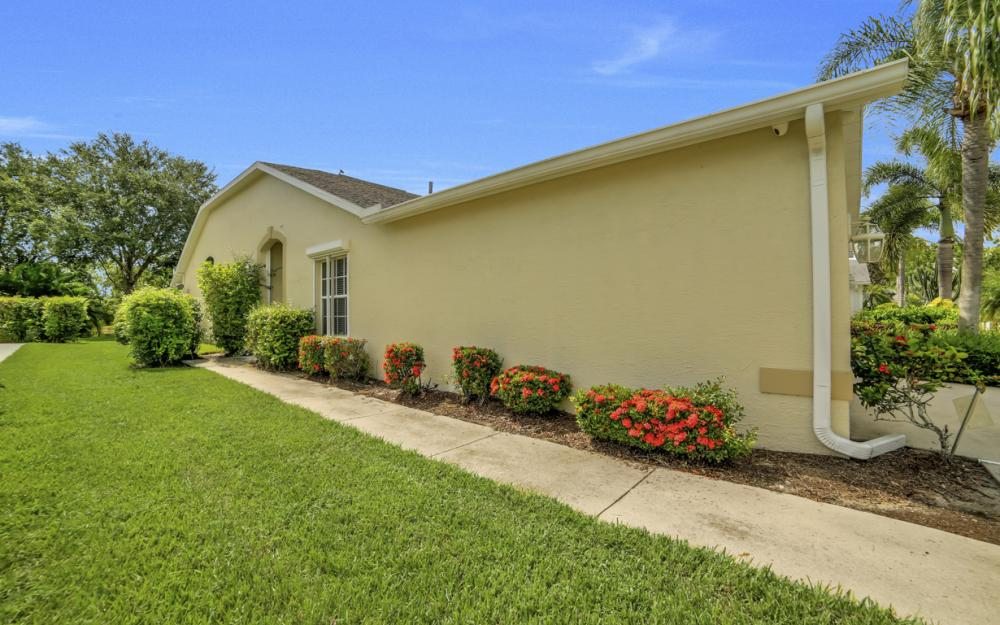 5213 Whitten Dr, Naples - Home For Sale 1338872405
