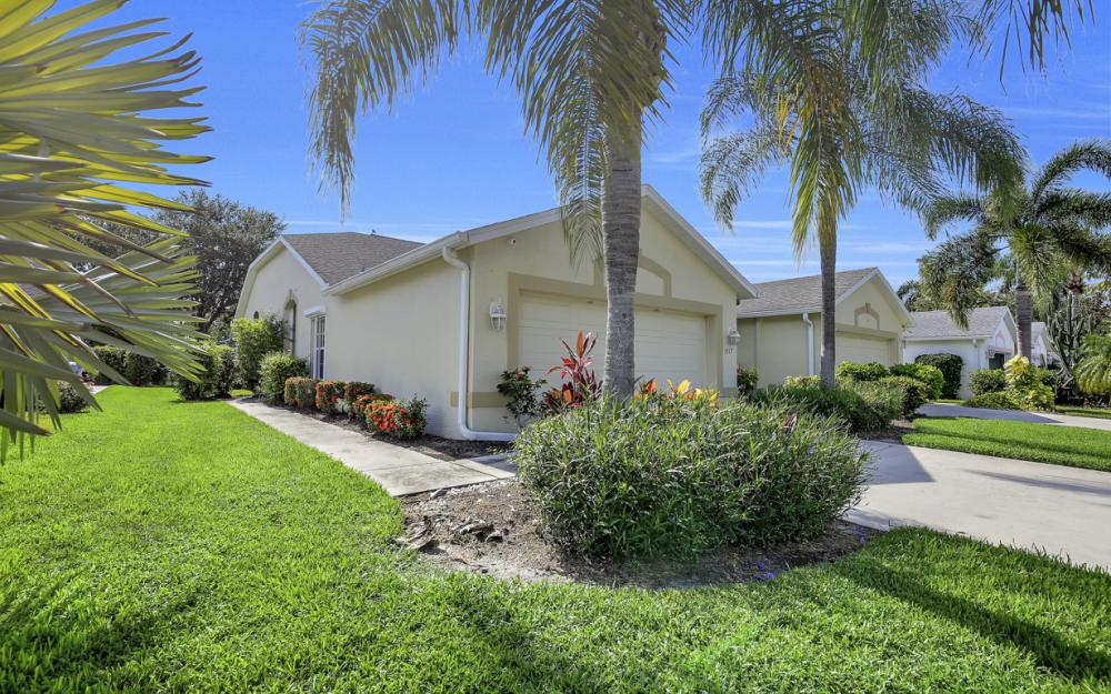 5213 Whitten Dr, Naples - Home For Sale 1276459012