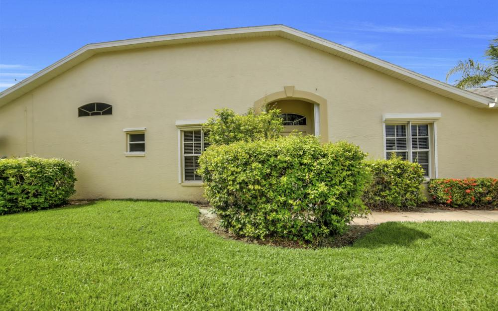 5213 Whitten Dr, Naples - Home For Sale 1739022311