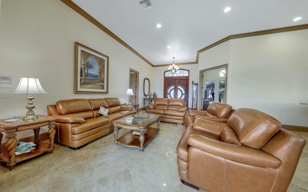 910 Moon Ct, Marco Island - Home For Sale 338080547