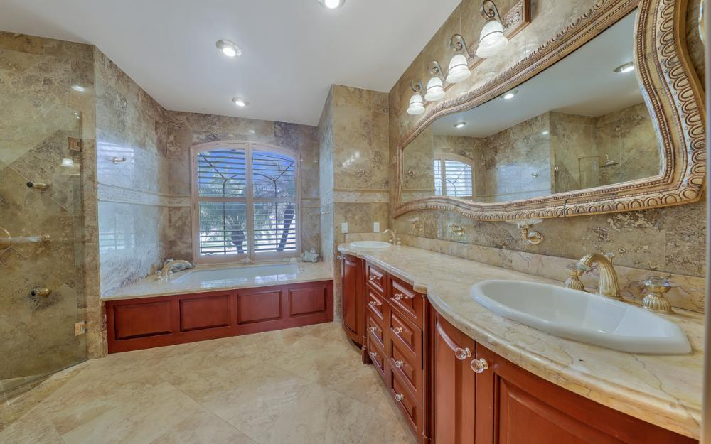 910 Moon Ct, Marco Island - Home For Sale 93472315