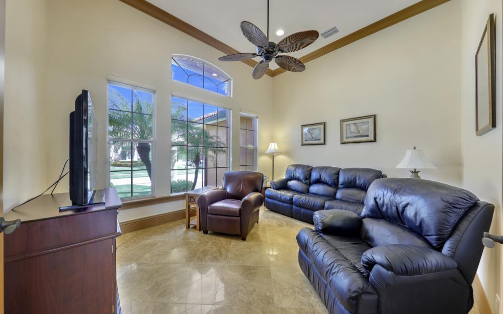 910 Moon Ct, Marco Island - Home For Sale 12758868
