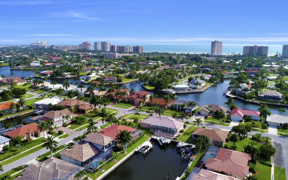 910 Moon Ct, Marco Island - Home For Sale 1862342999