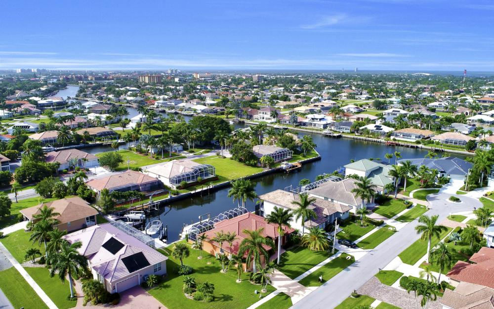 910 Moon Ct, Marco Island - Home For Sale 2078360503
