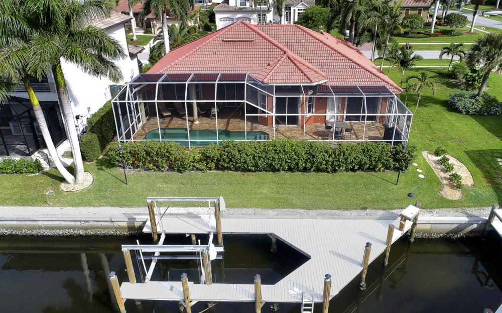 910 Moon Ct, Marco Island - Home For Sale 548427371