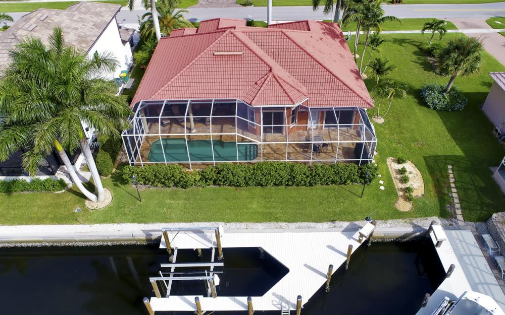 910 Moon Ct, Marco Island - Home For Sale 1991066449