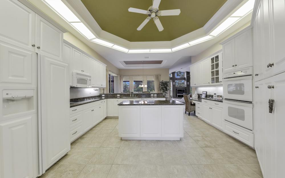 20256 Country Club Dr, Estero - Home For Sale 466417731