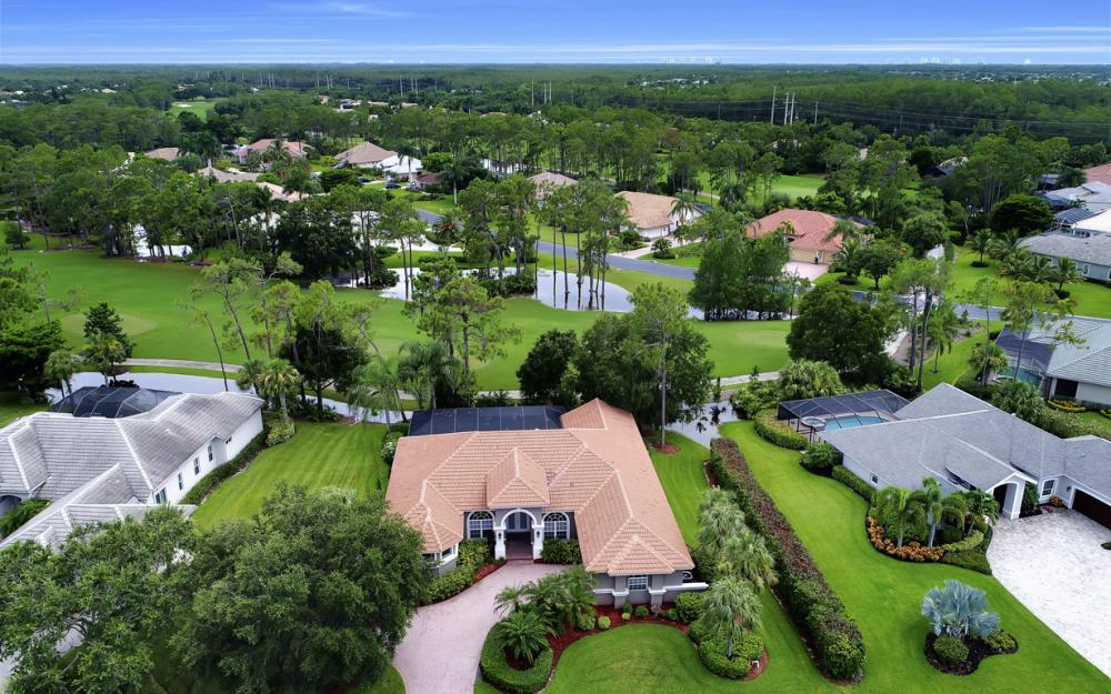 20256 Country Club Dr, Estero - Home For Sale 608029241