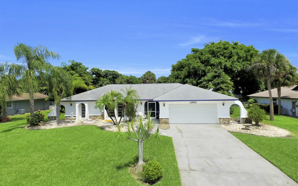13890 McGregor Blvd, Ft Myers - Home For Sale 999250975