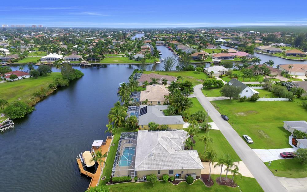 4001 SW 26th Ct, Cape Coral - Vacation Rental 487416666
