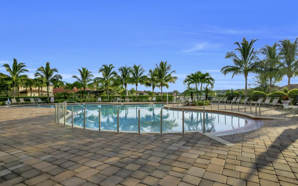 9472 River Otter Dr, Fort Myers - Home For Sale 1809943439