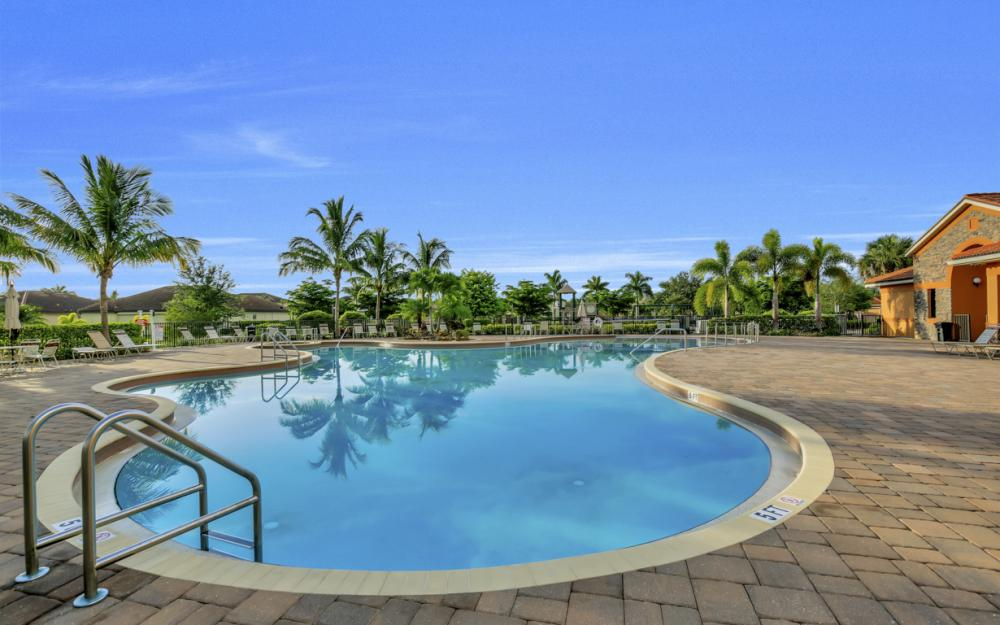 9472 River Otter Dr, Fort Myers - Home For Sale 1457135352