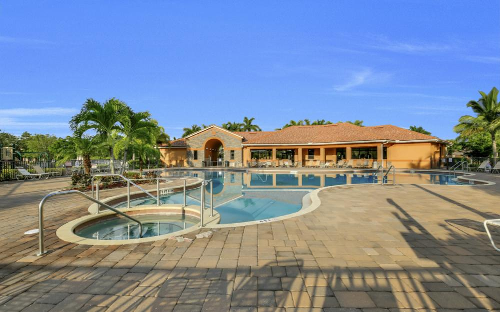9472 River Otter Dr, Fort Myers - Home For Sale 595907060
