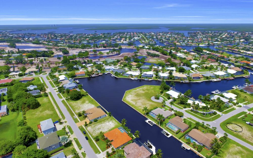 119 Greenview St, Marco Island - Home For Sale 1010912658