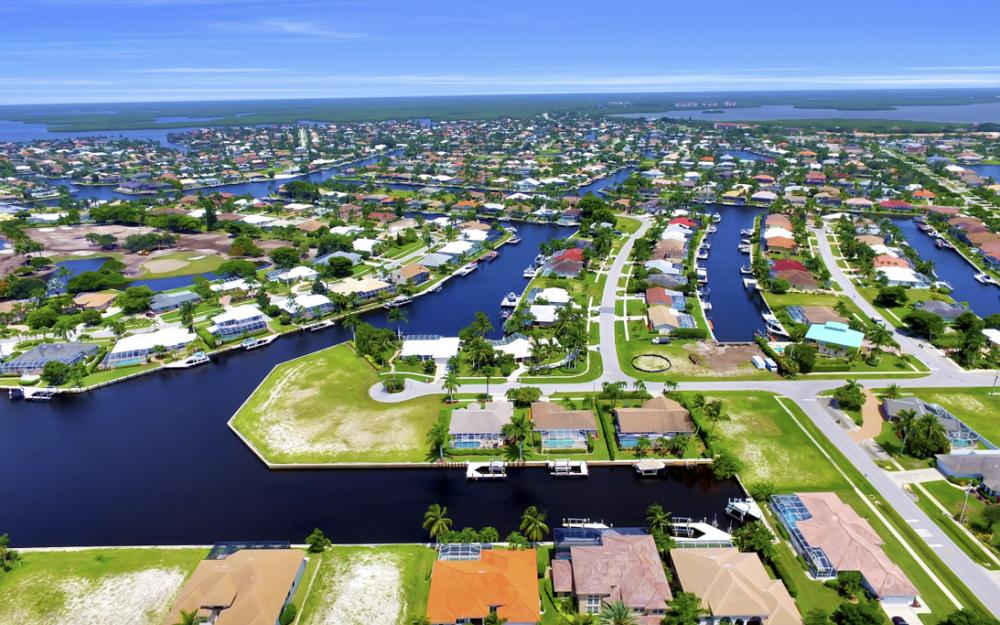 119 Greenview St, Marco Island - Home For Sale 292045049