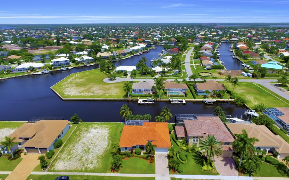 119 Greenview St, Marco Island - Home For Sale 1360059824