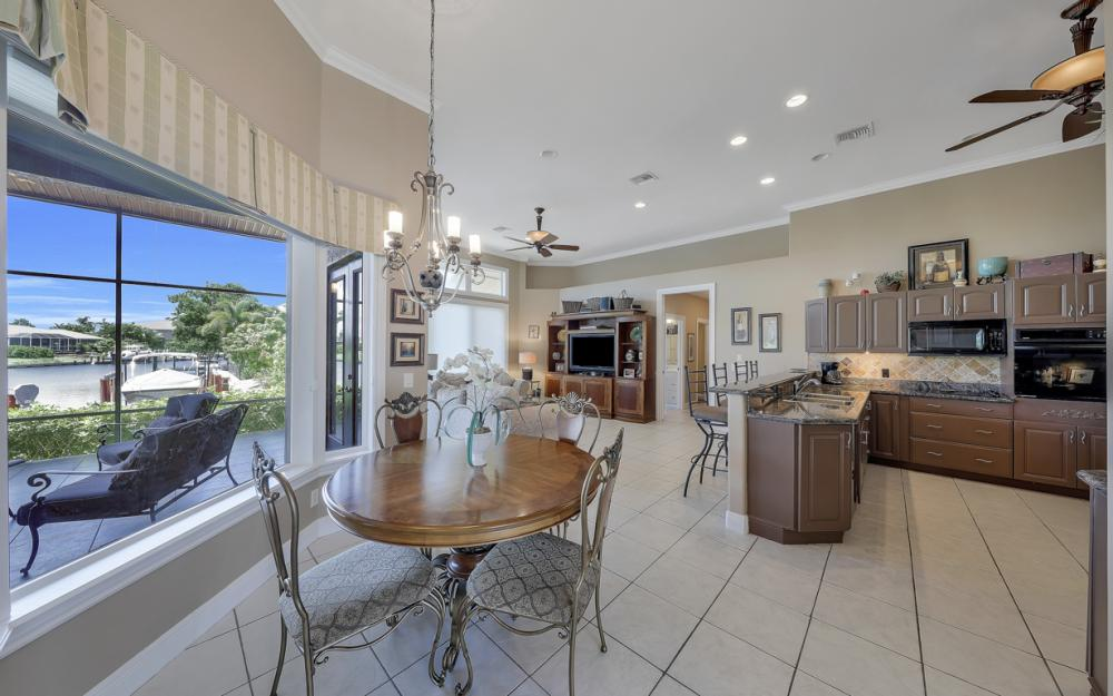 1490 Winterberry Dr, Marco Island - Home For Sale 926016543