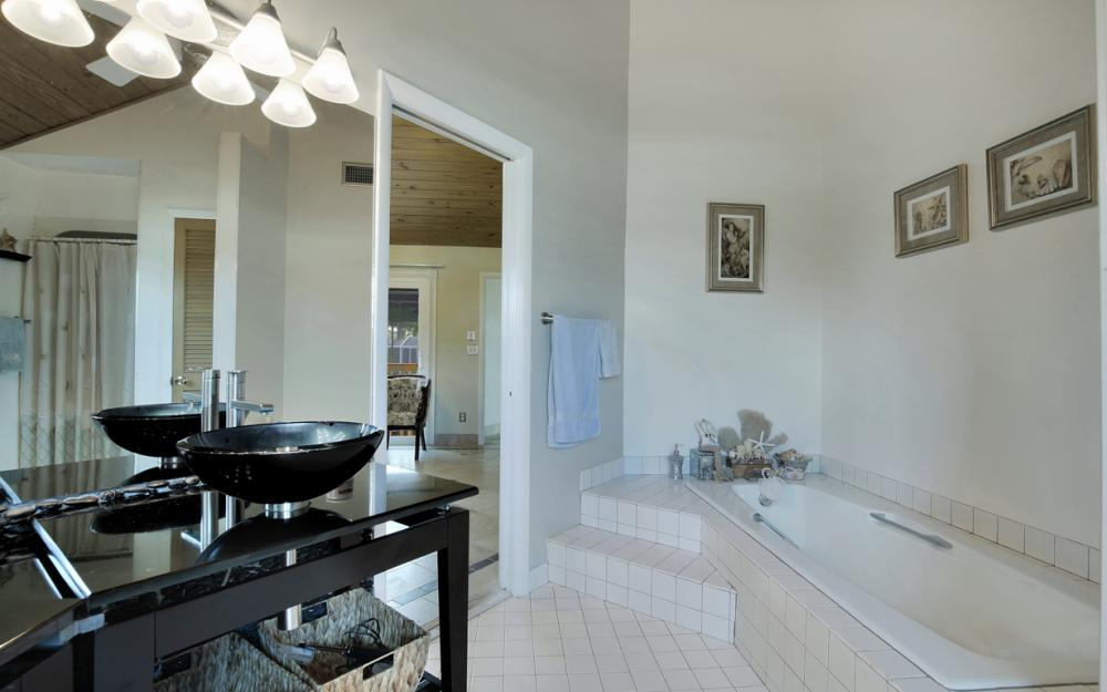 651 Partridge Ct, Marco Island - Home For Sale  1936763653